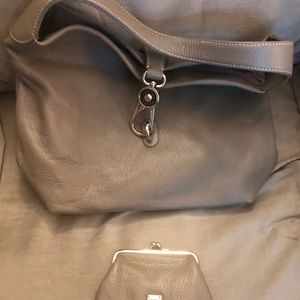 DOONEY&BOURKE LEATHER HOBO W/CHANGE PURSE KEYCHAIN